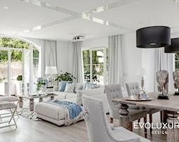 EVOLUXURY - PERFECT HARMONY - Średni salon z jadalnią, styl klasyczny - zdjęcie od EVOLUXURY DESIGN