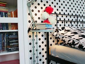Pokój Nastolatki- IloveMint - Średni biały czarny pokój dziecka dla dziewczynki dla nastolatka, styl skandynawski - zdjęcie od Pracownia Projektowa Shekoku