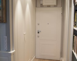 szafy+wn%C4%99kowe+hol+-+zdj%C4%99cie+od+Artystyczna+Manufaktura+-+klasyczne+meble+na+wymiar