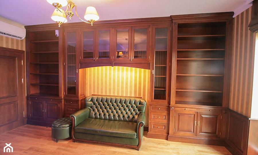 klasyczna zabudowa biblioteczna do gabinetu zdjęcie od