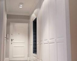szafy+klasyczne+hol+-+zdj%C4%99cie+od+Artystyczna+Manufaktura+-+klasyczne+meble+na+wymiar