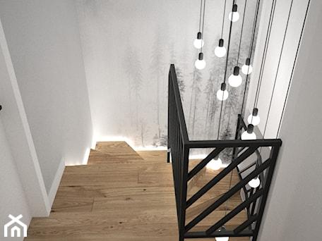 Aranżacje wnętrz - Schody: Biało szary przedpokój - Małe średnie wąskie schody dwubiegowe zabiegowe drewniane, styl skandynaws ... - OES architekci. Przeglądaj, dodawaj i zapisuj najlepsze zdjęcia, pomysły i inspiracje designerskie. W bazie mamy już prawie milion fotografii!