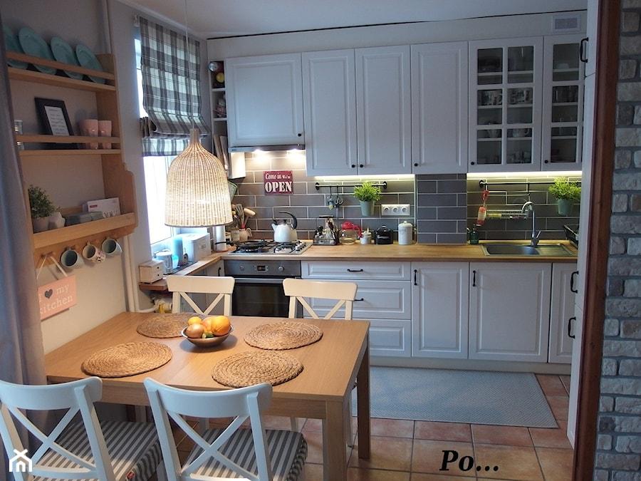 Aranżacje wnętrz - Kuchnia: Średnia biała szara kuchnia jednorzędowa w aneksie, styl tradycyjny - karolina0606. Przeglądaj, dodawaj i zapisuj najlepsze zdjęcia, pomysły i inspiracje designerskie. W bazie mamy już prawie milion fotografii!