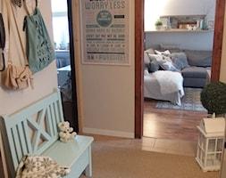 Mieszkanie hand made :) - Średni beżowy hol / przedpokój, styl tradycyjny - zdjęcie od karolina0606