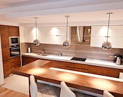 Średnia otwarta biała kuchnia w kształcie litery u, styl nowoczesny - zdjęcie od All Design Agnieszka Lorenc