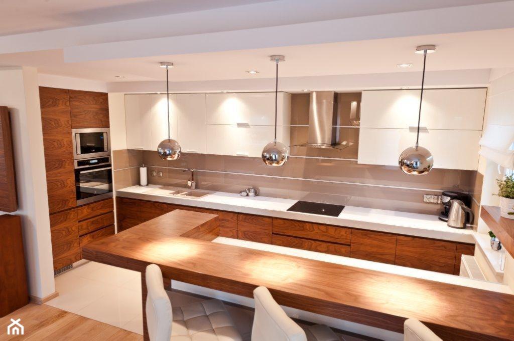 Średnia otwarta biała kuchnia w kształcie litery u, styl nowoczesny - zdjęcie od All Design Agnieszka Lorenc - Homebook