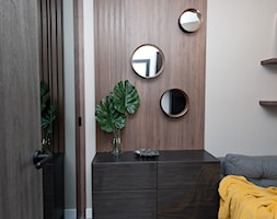 Realizacja projektu Pianisimmo Kraków - Małe beżowe biuro domowe w pokoju, styl eklektyczny - zdjęcie od All Design Agnieszka Lorenc
