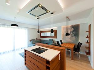 Realizacja mieszkanie na wynajem Kraków 2 - Średnia otwarta biała szara kolorowa jadalnia w kuchni w salonie, styl nowoczesny - zdjęcie od All Design Agnieszka Lorenc