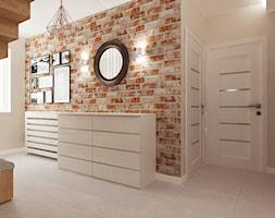 Mieszkanie w bieli i cegłą w tle - Średni beżowy hol / przedpokój, styl skandynawski - zdjęcie od All Design Agnieszka Lorenc