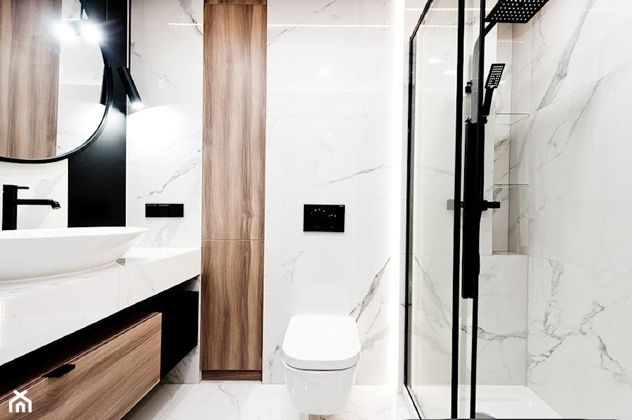 Realizacja projektu mieszkania na wynajem krótkoterminowy Kraków - Łazienka, styl nowoczesny - zdjęcie od All Design Agnieszka Lorenc