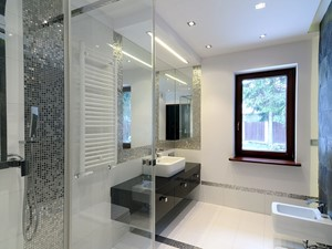 Łazienka w bieli realizacja - Średnia biała czarna szara łazienka - zdjęcie od All Design Agnieszka Lorenc