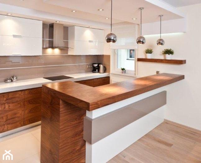 Jaki blat do białej kuchni? 7 sprawdzonych pomysłów   -> Kuchnie Z Sufitem Podwieszanym