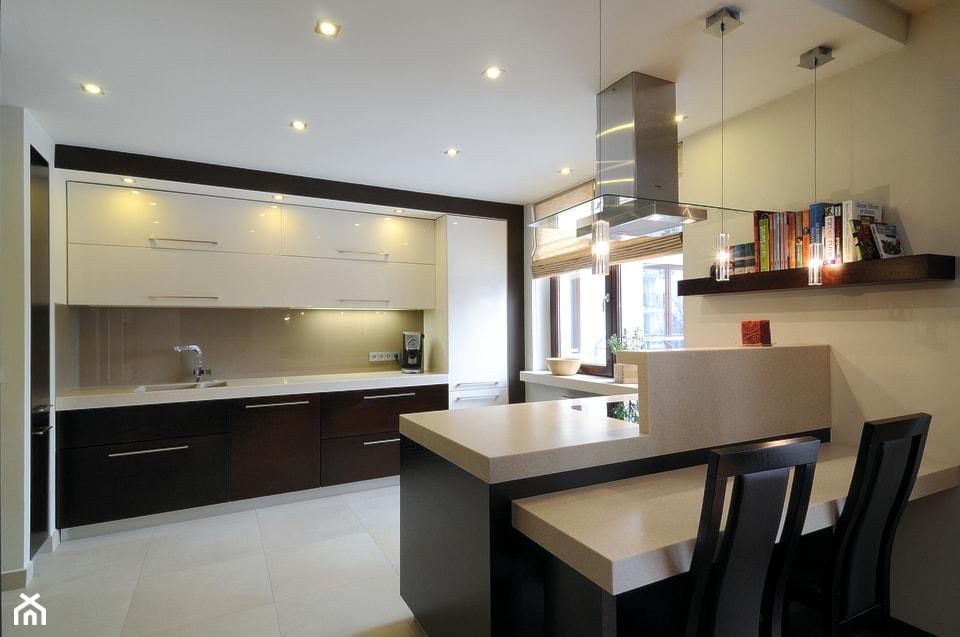 Kuchnia 2 realizacja - Duża otwarta beżowa kuchnia jednorzędowa z wyspą, styl nowoczesny - zdjęcie od All Design Agnieszka Lorenc - Homebook