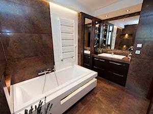 łazienka z kamieniem 2 - Duża brązowa łazienka bez okna, styl klasyczny - zdjęcie od All Design Agnieszka Lorenc