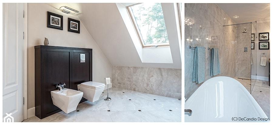 Łazienka na piętrze - New Hamptons Residence - zdjęcie od DeCandia Design