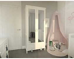 Projekt apartamentu 90m2 w Warszawie - Średni szary pokój dziecka dla dziewczynki dla niemowlaka, styl klasyczny - zdjęcie od Interior Maker wnętrza