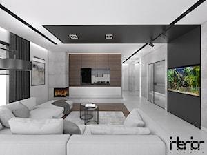 Dom z ciemnym drewnem - Średni szary biały czarny salon, styl nowoczesny - zdjęcie od interior art studio