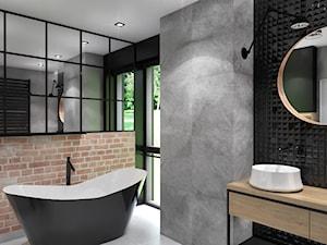 Projekt domu jednorodzinnego z dominującą czernią - Duża czarna szara zielona łazienka w bloku w domu jednorodzinnym z oknem, styl industrialny - zdjęcie od interior art studio