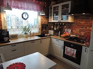 Metamorfoza kuchni i przedpokoju - Średnia zamknięta kuchnia w kształcie litery u w aneksie - zdjęcie od sliwka6