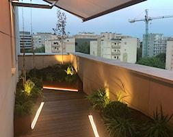 Aranżacja balkonu - Średni taras z tyłu domu, styl nowoczesny - zdjęcie od HADIKA