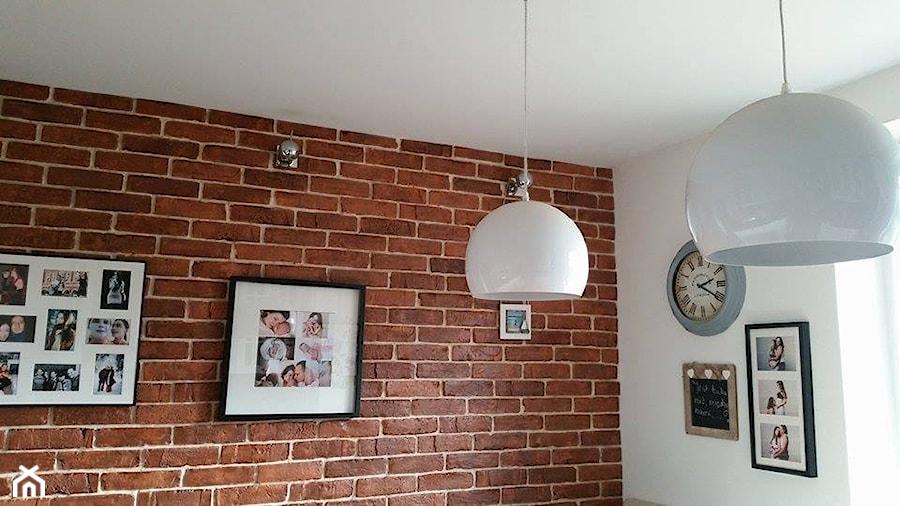 galeria na scianie z cegly w kuchni  zdjęcie od   -> Kuchnia Z Cegly