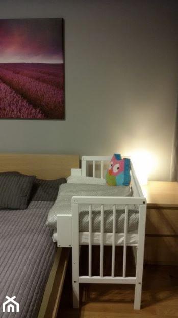 Białe łóżeczko Dostawne Mamaipapa Zdjęcie Od Mamaipapapl
