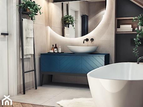 Aranżacje wnętrz - Łazienka: Łazienka na poddaszu - Średnia czarna szara łazienka na poddaszu w domu jednorodzinnym z oknem, styl nowoczesny - MaNaZa. Przeglądaj, dodawaj i zapisuj najlepsze zdjęcia, pomysły i inspiracje designerskie. W bazie mamy już prawie milion fotografii!
