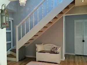 Mój wymarzony dom. - Średni niebieski szary hol / przedpokój - zdjęcie od karolina3000