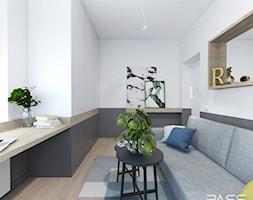 Projekt 32 - Mały biały szary pokój dziecka dla nastolatka, styl skandynawski - zdjęcie od PASS architekci