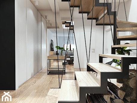 Aranżacje wnętrz - Schody: Projekt 18 - Średnie wąskie schody wachlarzowe drewniane metalowe, styl skandynawski - PASS architekci. Przeglądaj, dodawaj i zapisuj najlepsze zdjęcia, pomysły i inspiracje designerskie. W bazie mamy już prawie milion fotografii!