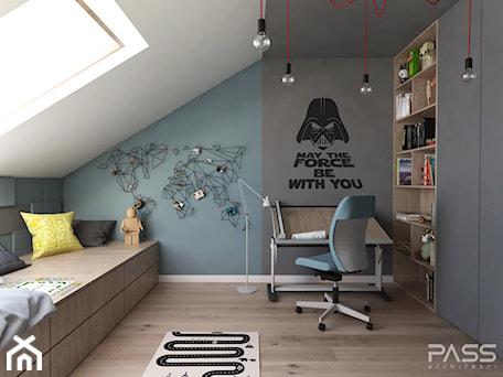 Projekt 31 - Średni biały szary niebieski pokój dziecka dla chłopca dla ucznia dla nastolatka, styl nowoczesny - zdjęcie od PASS architekci