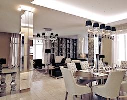 Pakhra - Villa in Moscow - Duża otwarta szara jadalnia w salonie, styl klasyczny - zdjęcie od Shtantke Interior Design