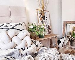 Sypialnia marzeń - Mała biała sypialnia małżeńska, styl prowansalski - zdjęcie od Beliani.pl - Homebook