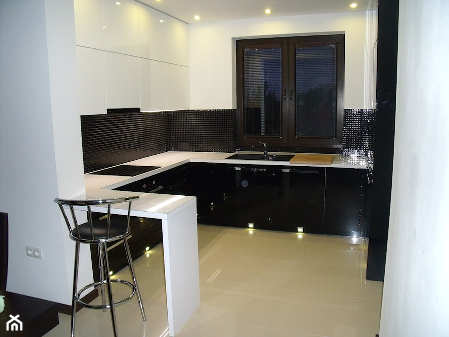 meble kuchenne, czarno białe  zdjęcie od markuch77 -> Kuchnia Meble Biale
