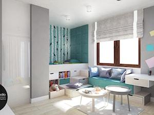 Młodzieżowy pokój dla żywiołowego nastolatka - Duży szary turkusowy pokój dziecka dla chłopca dla dziewczynki dla rodzeństwa dla ucznia dla malucha dla nastolatka, styl nowoczesny - zdjęcie od Monostudio Wnętrza