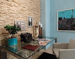 Kamień dekoracyjny Venezia - Średnie beżowe niebieskie biuro kącik do pracy w pokoju - zdjęcie od STEGU