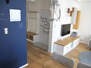 Płytki cegłopodobne Loft - Średni biały hol / przedpokój, styl skandynawski - zdjęcie od STEGU