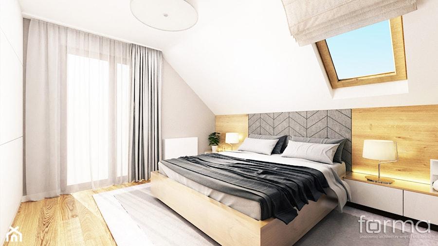 SYPIALNIA BOLECHOWICE - Średnia beżowa szara sypialnia małżeńska na poddaszu, styl nowoczesny - zdjęcie od FORMA - Pracownia Architektury Wnętrz