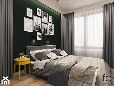 Aranżacje wnętrz - Sypialnia: SYPIALNIA ZALESIE - Średnia biała zielona sypialnia małżeńska, styl eklektyczny - FORMA - Pracownia Architektury Wnętrz. Przeglądaj, dodawaj i zapisuj najlepsze zdjęcia, pomysły i inspiracje designerskie. W bazie mamy już prawie milion fotografii!