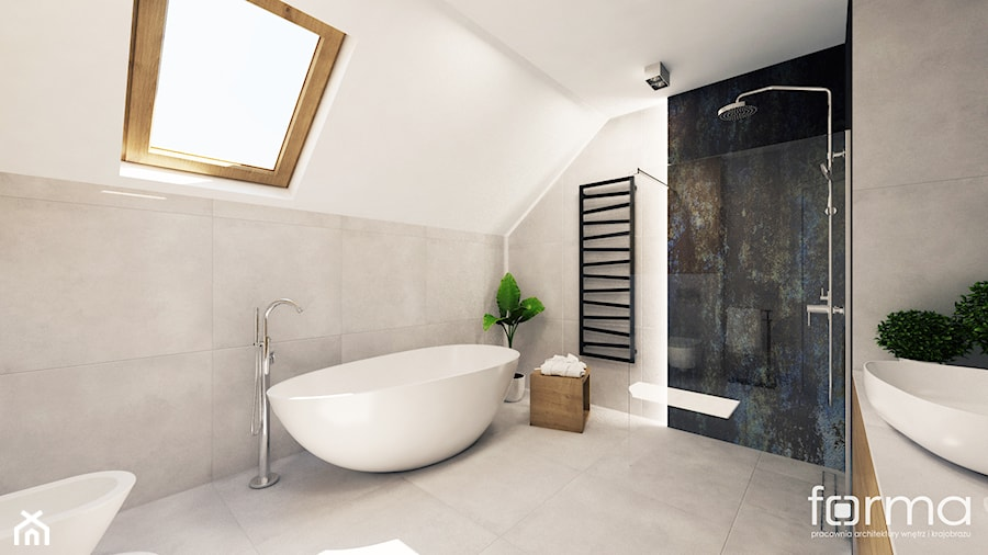 ŁAZIENKA ZELKÓW - Duża biała łazienka na poddaszu w bloku w domu jednorodzinnym z oknem, styl nowoczesny - zdjęcie od FORMA - Pracownia Architektury Wnętrz