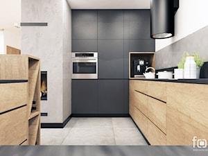 DOM NIEPOŁOMICE - Średnia otwarta biała szara czarna kuchnia w kształcie litery g w aneksie, styl nowoczesny - zdjęcie od FORMA - Pracownia Architektury Wnętrz