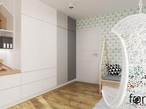 POKÓJ LENKI - Średni biały zielony pokój dziecka dla chłopca dla dziewczynki dla nastolatka, styl skandynawski - zdjęcie od FORMA - Pracownia Architektury Wnętrz