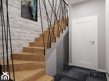 Aranżacje wnętrz - Schody: KLATKA SCHODOWA - Średnie schody dwubiegowe drewniane, styl industrialny - FORMA - Pracownia Architektury Wnętrz. Przeglądaj, dodawaj i zapisuj najlepsze zdjęcia, pomysły i inspiracje designerskie. W bazie mamy już prawie milion fotografii!