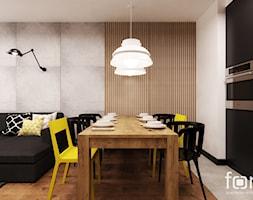 MIESZKANIE MASARSKA - Średnia otwarta biała czarna jadalnia w kuchni w salonie, styl industrialny - zdjęcie od FORMA - Pracownia Architektury Wnętrz i Krajobrazu
