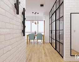 MIESZKANIE RAKOWICKA - Średni biały hol / przedpokój, styl industrialny - zdjęcie od FORMA - Pracownia Architektury Wnętrz i Krajobrazu