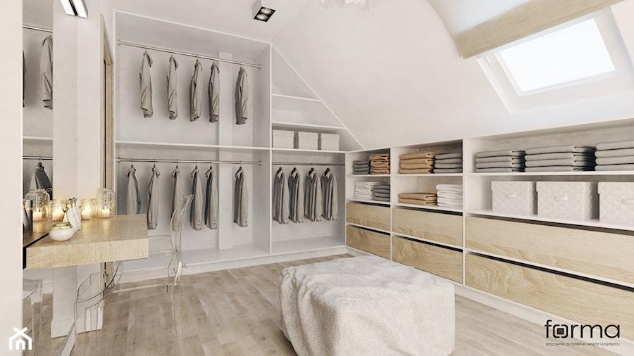 SYPIALNIA Z GARDEROBĄ - Średnia otwarta garderoba z oknem na poddaszu, styl nowoczesny - zdjęcie od FORMA - Pracownia Architektury Wnętrz