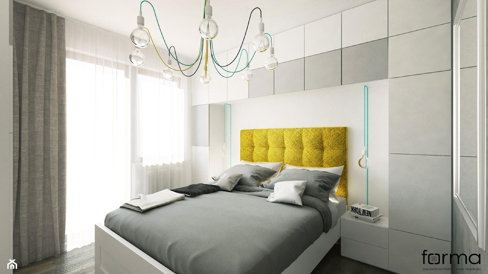 SYPIALNIA - Mała biała szara sypialnia małżeńska z balkonem / tarasem, styl minimalistyczny - zdjęcie od FORMA - Pracownia Architektury Wnętrz - Homebook