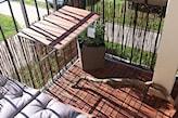 stolik zawieszany na balustradzie