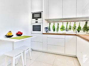 Kuchnia na wymiar z grafiką na szkle