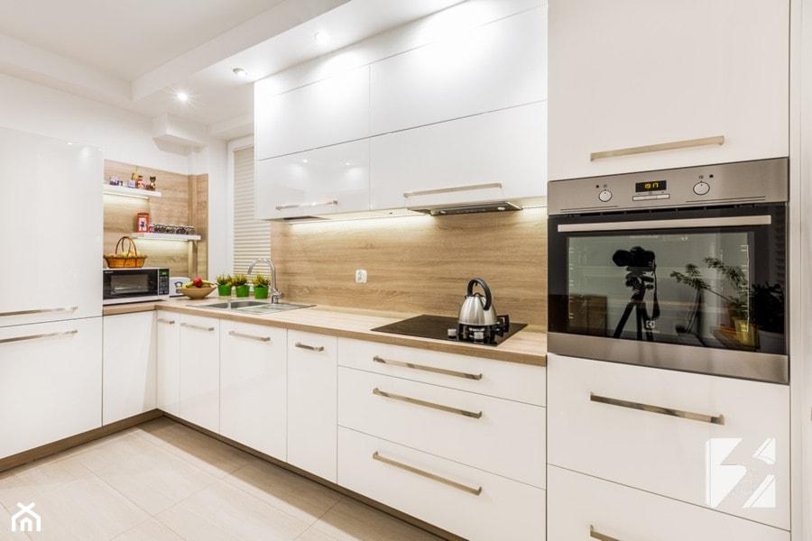 Kuchnia na wymiar w minimalistycznym stylu  zdjęcie od   -> Kuchnia Kolor Sufitu